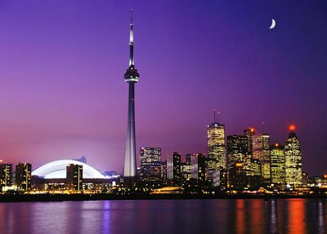 toronto skyline photo Las 10 ciudades con más rascacielos del mundo