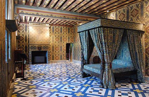 El castillo de blois for Meuble chateau fort tunisie