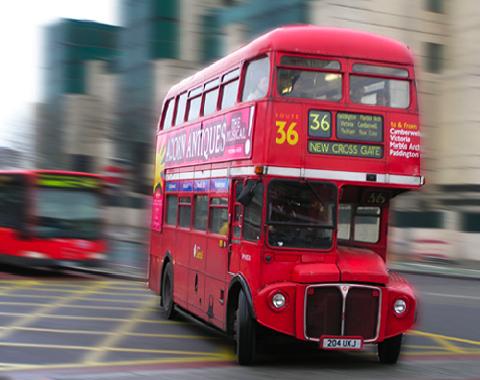 Descubre Ciudades Desde Los Autobuses Tur Sticos