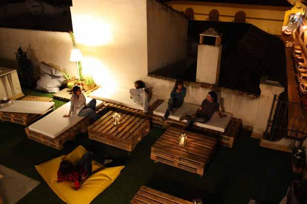 Hostal en sevilla y en san sebasti n premiados entre los - Los mejores sofas del mundo ...