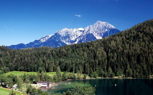 http://www.vuelaviajes.com/wp-content/2011/04/Parque-Nacional-Kalkalpen-en-Austria.jpg
