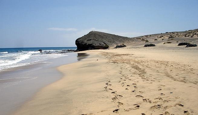 Las mejores playas y calas de lanzarote - Las casas canarias lanzarote ...