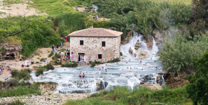 Las hermosas termas naturales de saturnia en italia for Aguas termales naturales en madrid