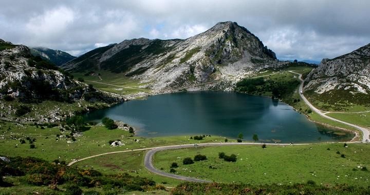 Resultado de imagen de lagos de covadonga asturias españa