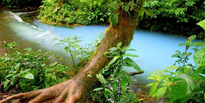 rio celeste costa rica1