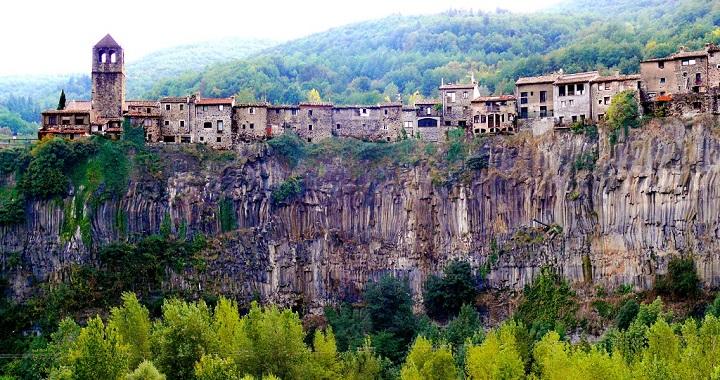 Castellfollit de la Roca Catalunya