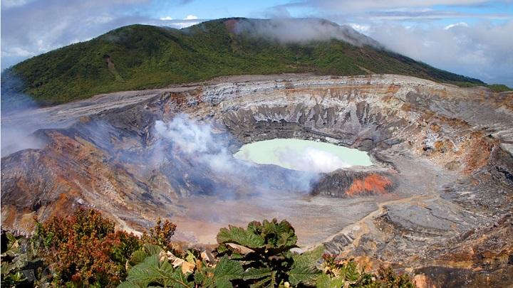 Parque Nacional Volcan Poas Costa Rica