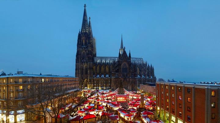 Weihnachtsmarkt-Am-Dom