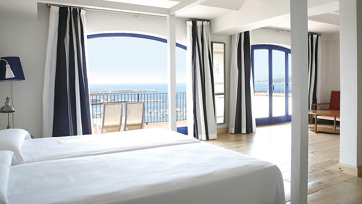 Hotel-Trias