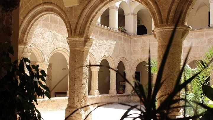 claustro-San-Francisco-Alghero