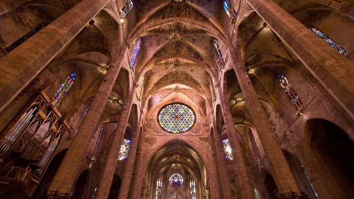 interior-Catedral-Palma-de-Mallorca