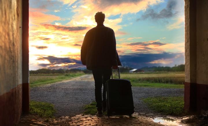 de-viaje-con-la-maleta