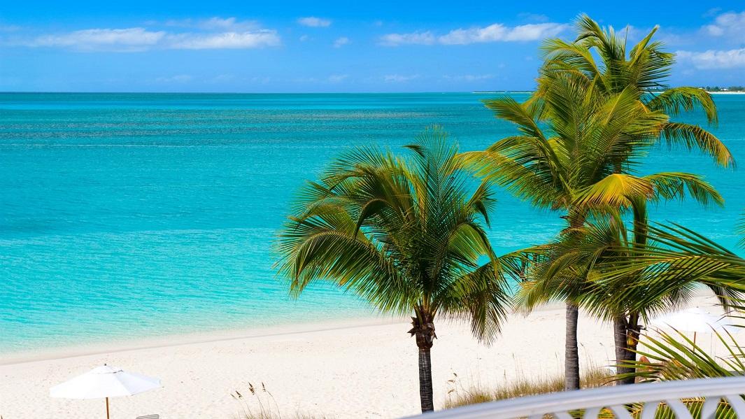 vistas-de-una-playa-paradisiaca