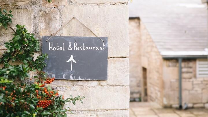 cartel-hotel-y-restaurante