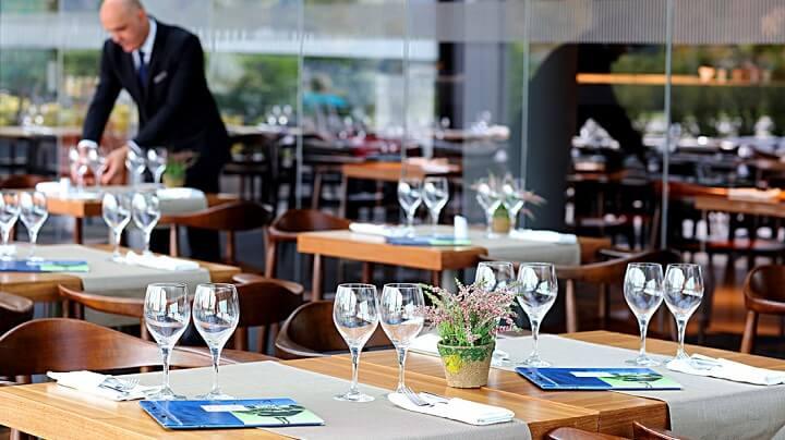 mesa-restaurante-de-lujo