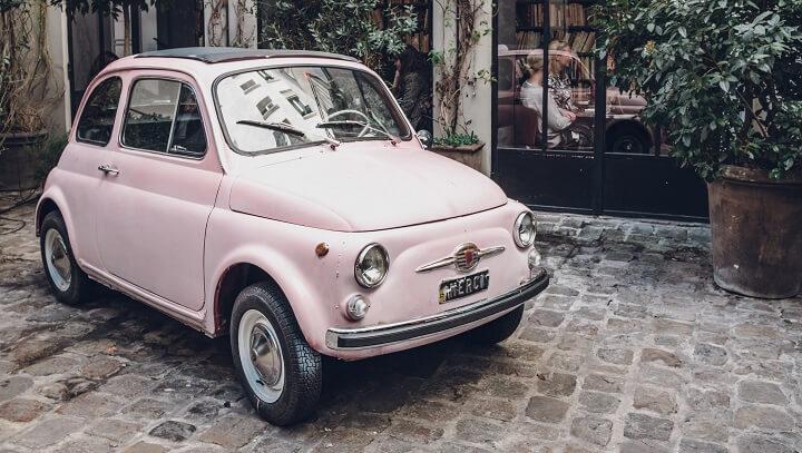 Fiat-500-rosa-en-Francia