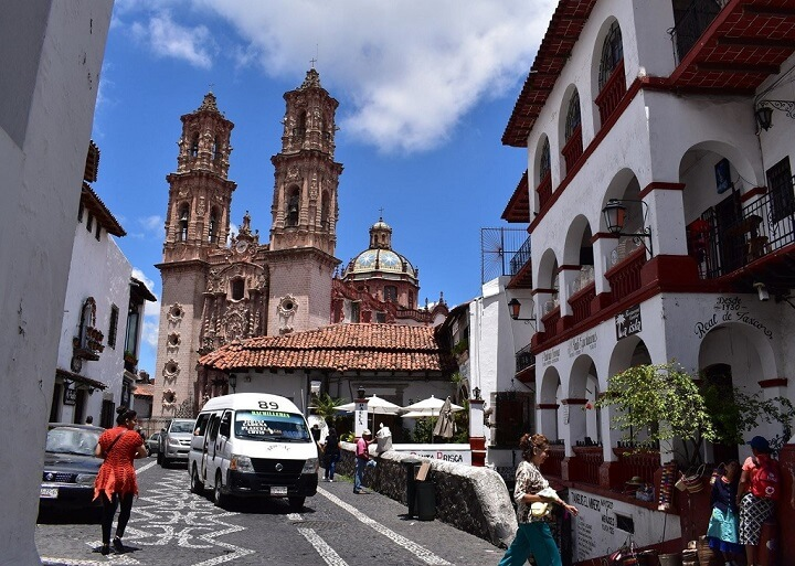 Taxco-Mexico-calle