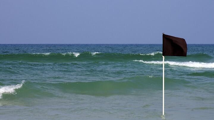 bandera-negra-playa