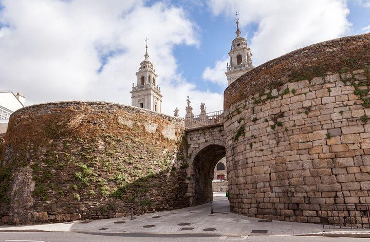 muralla-romana-de-Lugo-puerta