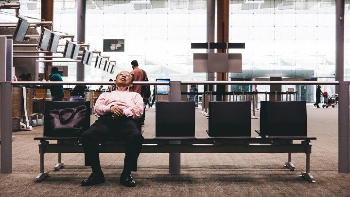 durmiendo-en-el-aeropuerto