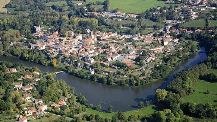 pueblo-Francia-Vouvant
