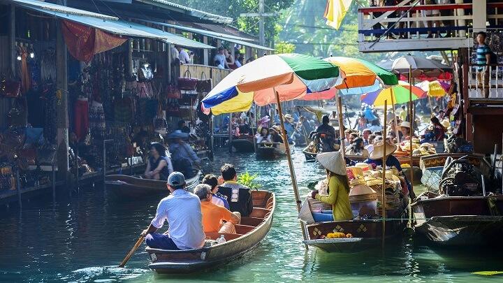 Bali-mercado-rio
