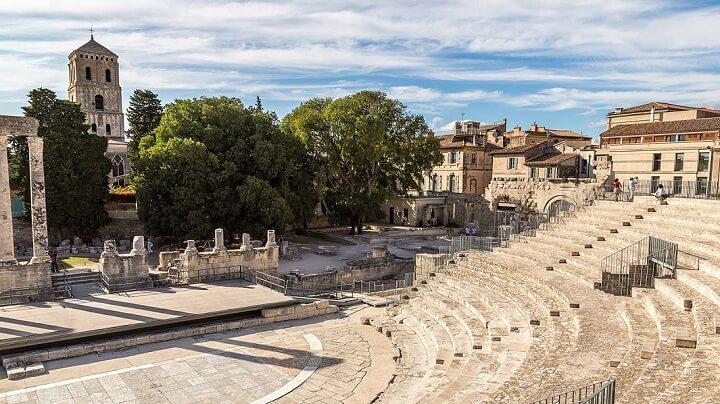 Arles-Francia-ciudad