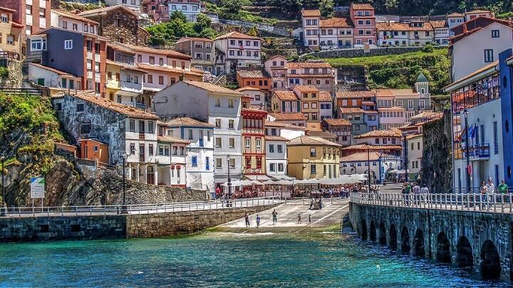 Cudillero-Asturias-pueblo