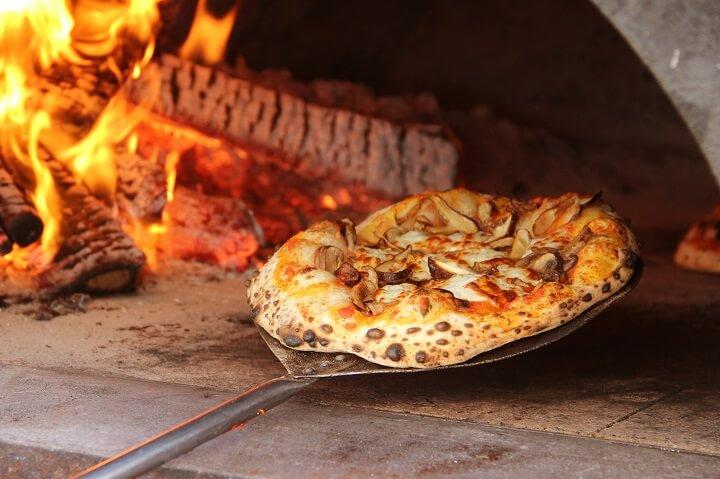 pizza-en-el-horno