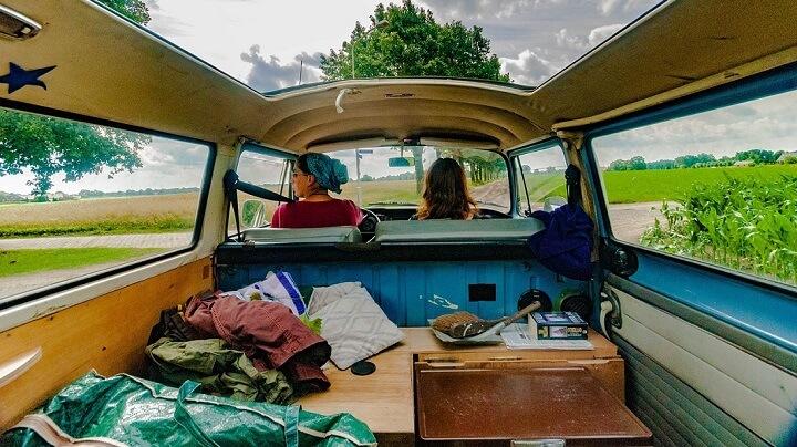 viajeras-en-furgoneta